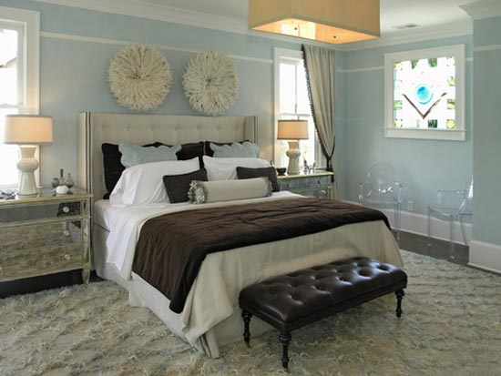 blue and brown bedroom decorating ideas via